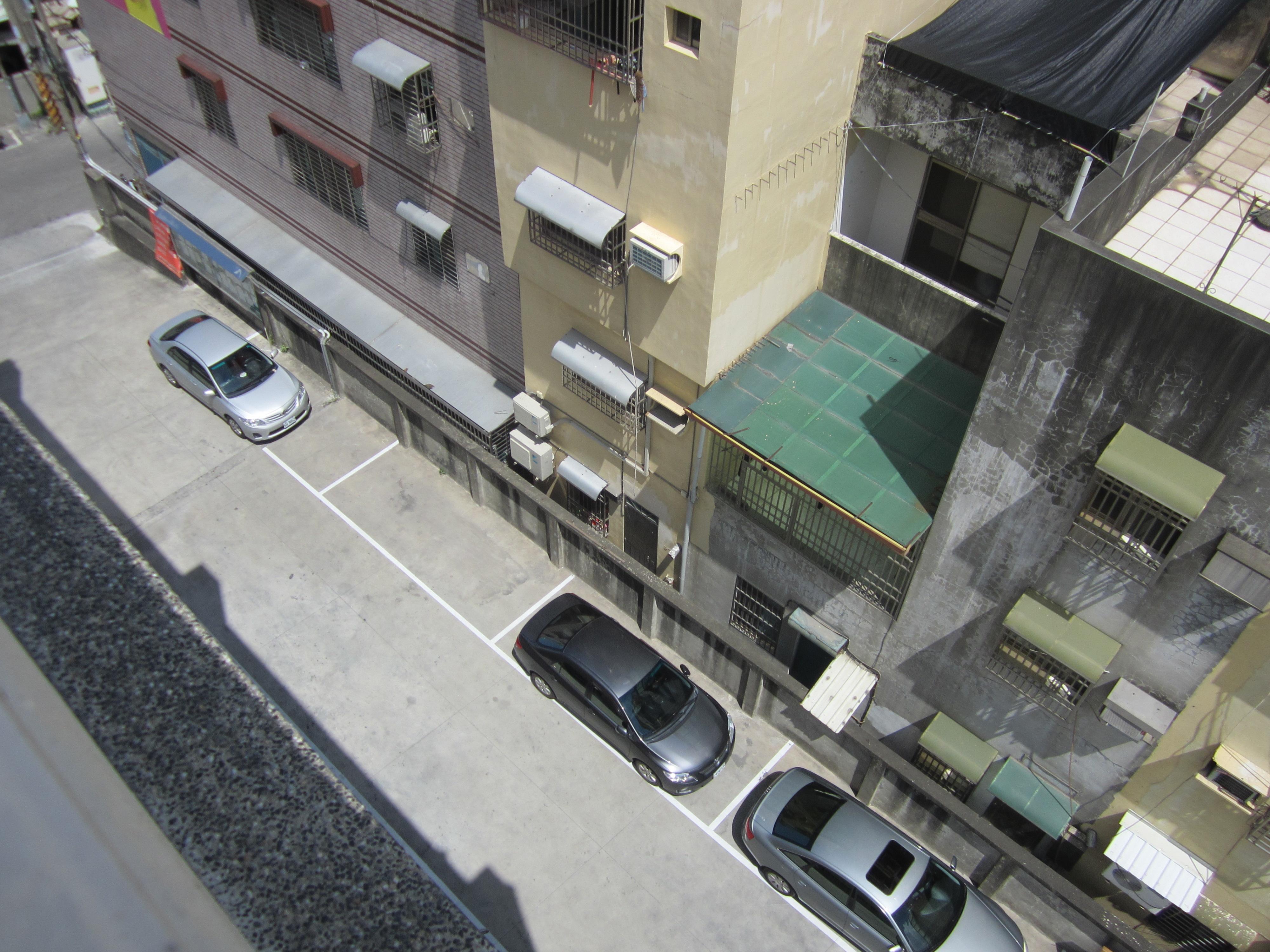 本所右側停車位